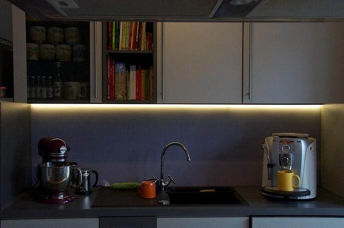 LED Stripe -  002 unterbel.jpg