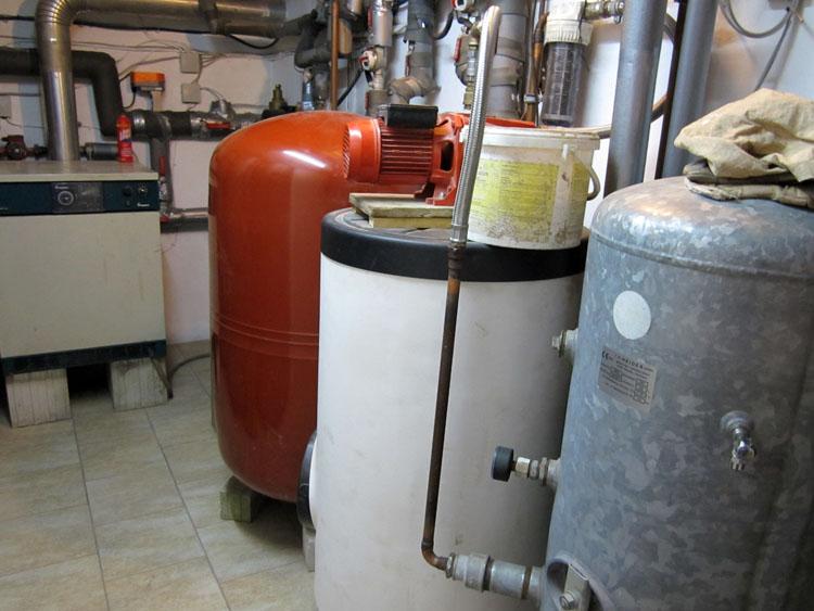 7 500L MAG und WW Puffer und Hauswasserwerk.jpg
